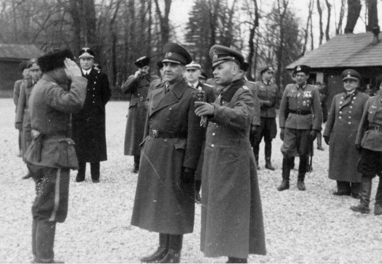 Офицеры-казаки Русского охранного корпуса. Ноябрь 1942 г.