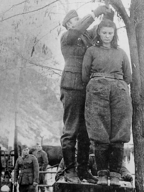 Казнь 17-летней югославской партизанки Лепы Радич в городе Босанска Крупа. Февраль 1943 г.