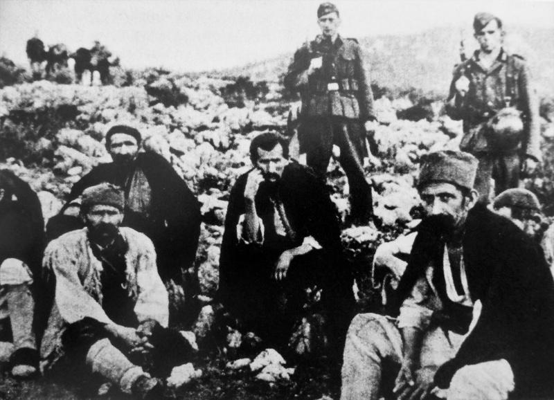 Пленные сербские партизаны. Май 1943 г.