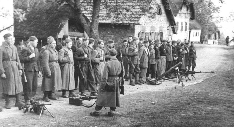 Мобилизация новых бойцов в Словении. 1944 г.