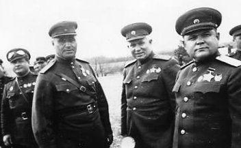 Кравченко, Хрущев и Ватутин. 1943 г.