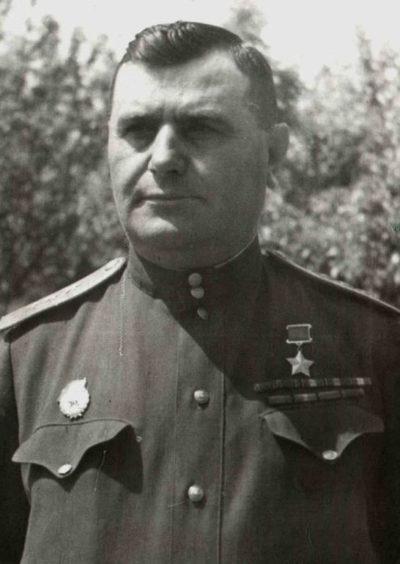 Герой Советского Союза генерал-лейтенант Кравченко. 1944 г.