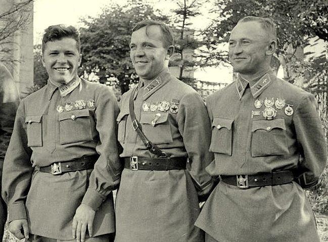 Григорий Кравченко, Владимир, Иван Лакеев. 1939 г.