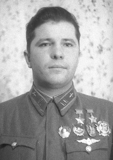 Дважды Герой Советского Союза майор Кравченко. 1939 г.