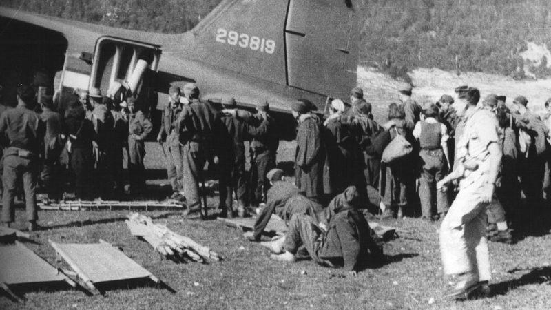 Эвакуация раненых. Брезна, 1944. г.