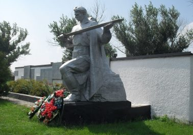 х. Колундаевский Шолоховского р-на. Памятник ветеранам войны.