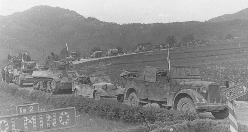 Моторизованный отряд 4-й армии наступает в направлении Толмина. Май 1945 г.