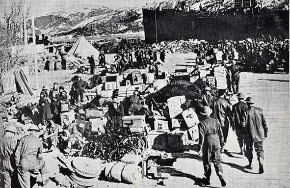 Разгрузка британских войск в Намсосе.