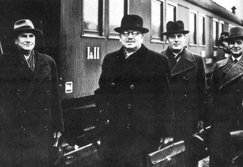Приезд финской делегации с безуспешных переговоров в Москве. 16 октября 1939 г.