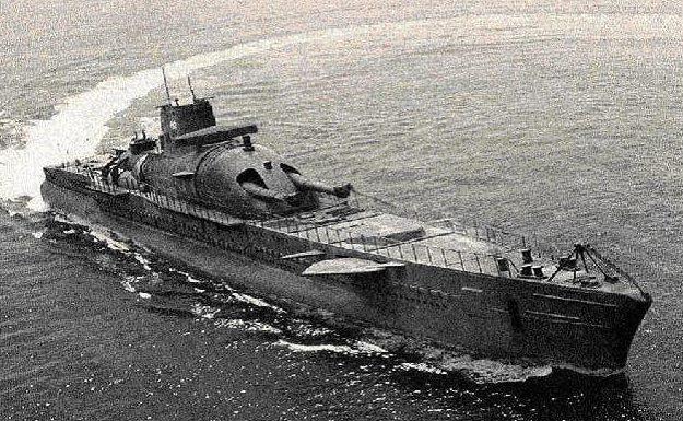 Подлодка «Сюркуф», захваченная британцами.