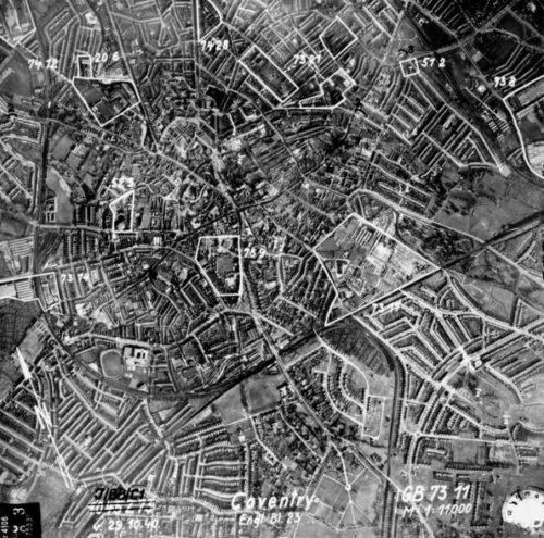 Немецкая аэрофотосъемка центра города с обозначением целей бомбардировки. Ноябрь 1940 г.