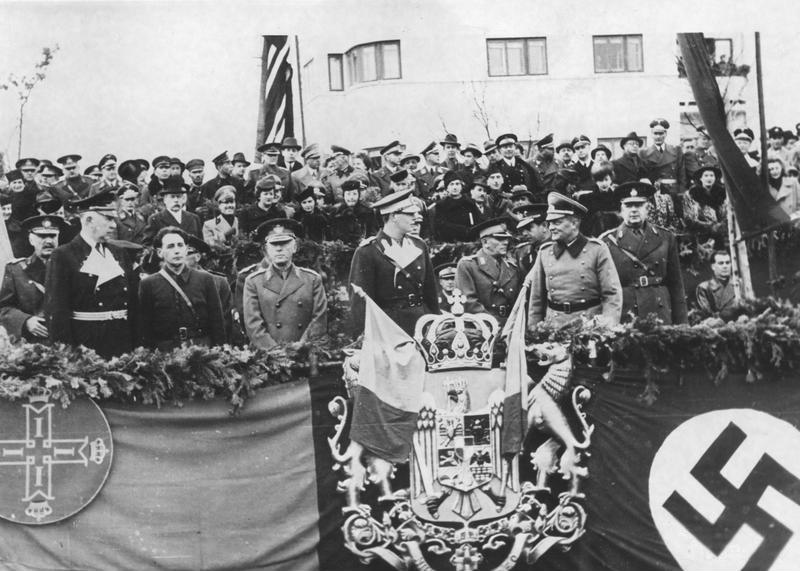 Митинг в честь подписания Румынией Трехстороннего пакта.