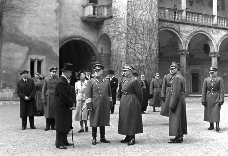 Мирный Краков. Апрель 1939 г.