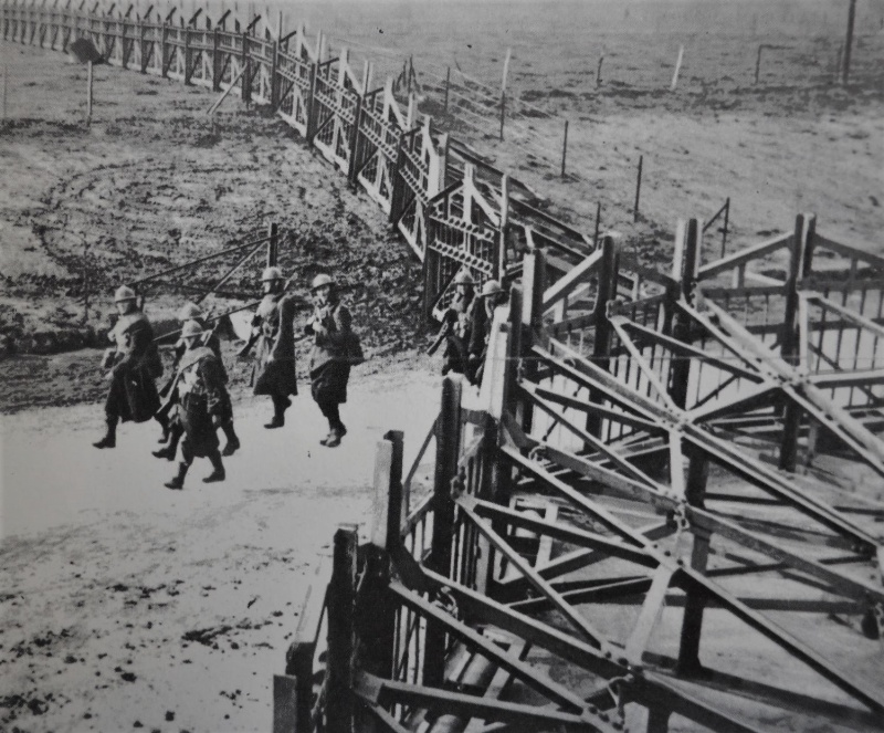 Солдаты бельгийской армии на границе с Германией. 1939 г.
