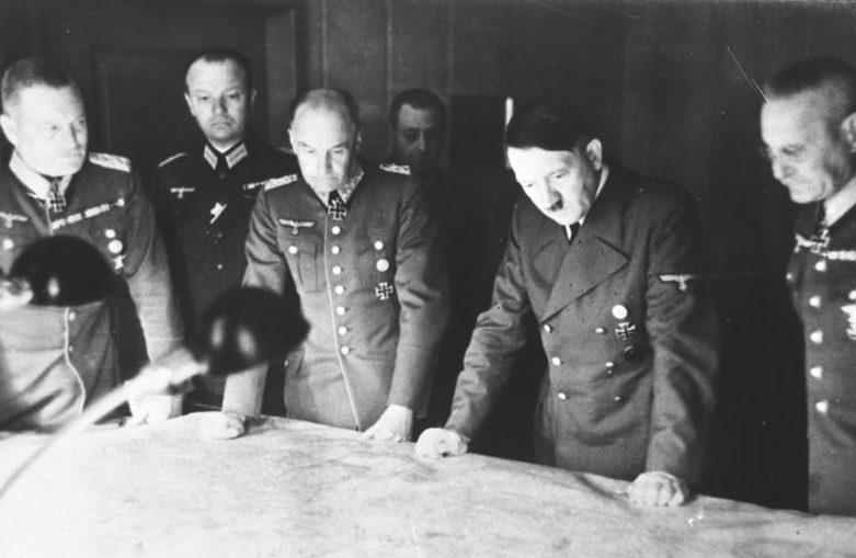 Совещание у Гитлера по плану «Барбаросса».