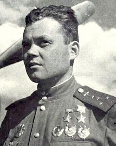 Дважды Герой Советского Союза Речкалов Григорий Андреевич (09.02.1920-22.12.1990)