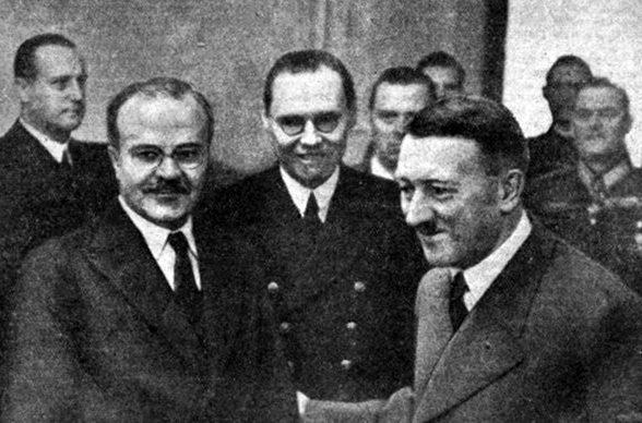 Вячеслав Молотов в Рейсхканцелярии.