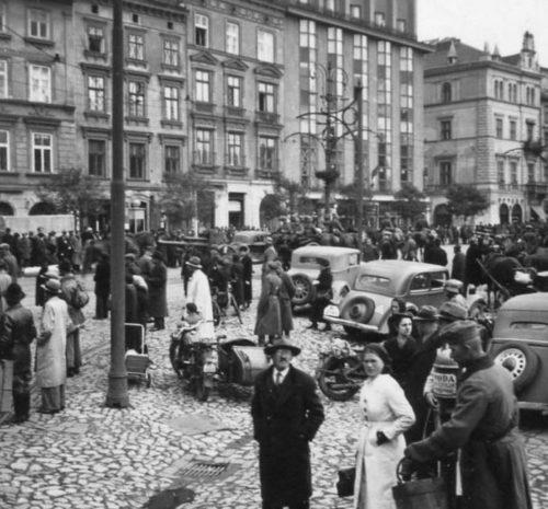 Немцы на Рыночной площади. Сентябрь 1939 г.