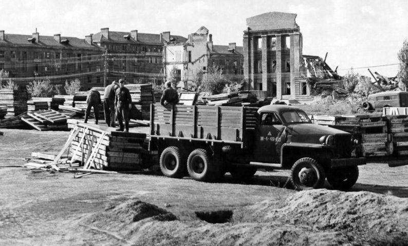 Обустройство аэродрома в Полтаве. 1944 г.