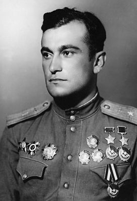 Дважды Герой Советского Союза Амет-Хан Султан (20.10.1920-01.02.1971)