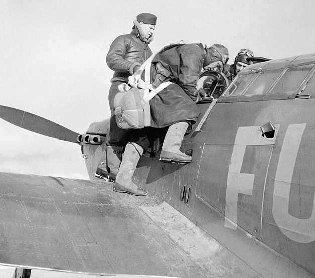 Во время обучения советских пилотов.