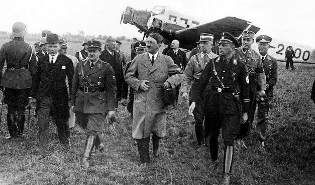 Эрих Кох с Гитлером. Август 1939 г.