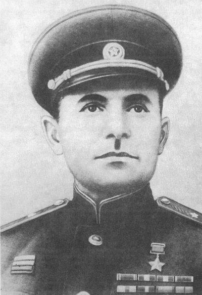 Дважды Герой Советского Союза Асланов Ази Агадович (22.01.1910-24.01.1945)