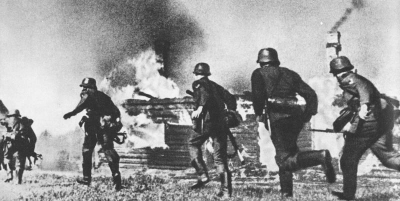 Солдаты Вермахта атакуют погранзаставу. 22 июня 1941 г.