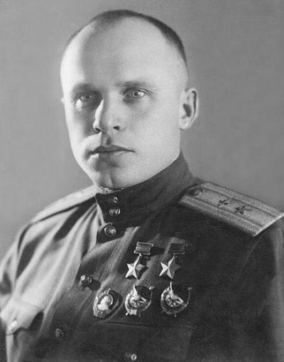 Дважды Герой Советского Союза Бондаренко Михаил Захарович (07.10.1913-27.07.1947)