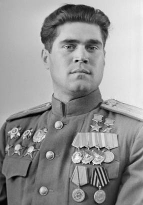 Дважды Герой Советского Союза Степаненко Иван Никифорович (13.04.1920-31.05.2007)
