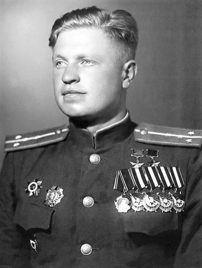 Дважды Герой Советского Союза Брандыс Анатолий Яковлевич (12.08.1923-23.03.1988)
