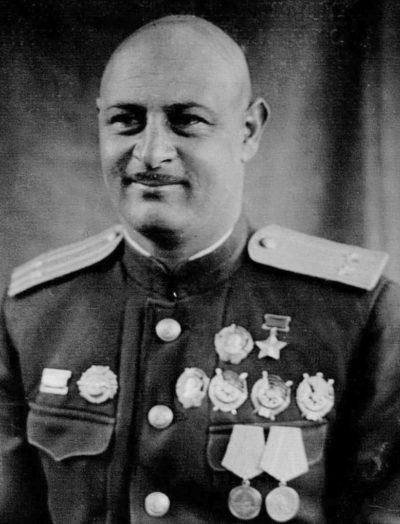 Дважды Герой Советского Союза Степанян Нельсон Георгиевич (28.03.1913-14.12.1944)