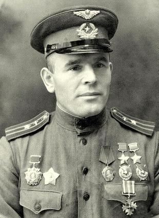 Дважды Герой Советского Союза Ворожейкин Арсений Васильевич (15.10.1912-23.05.2001)