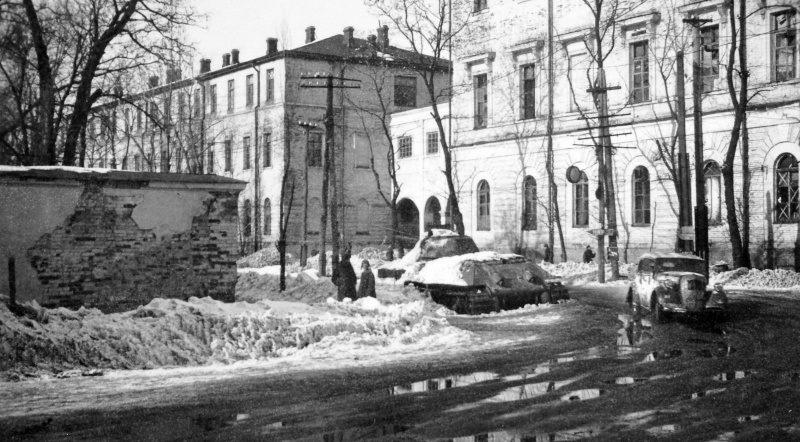 Город в оккупации зимой. 1941 г.