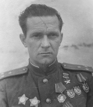 Дважды Герой Советского Союза Головачёв Александр Алексеевич (27.11.1909-06.03.1945)