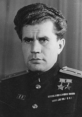 Дважды Герой Советского Союза старший лейтенант Леонов. 1945 г.