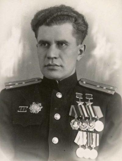 Капитан-лейтенант Леонов. 1946 г.
