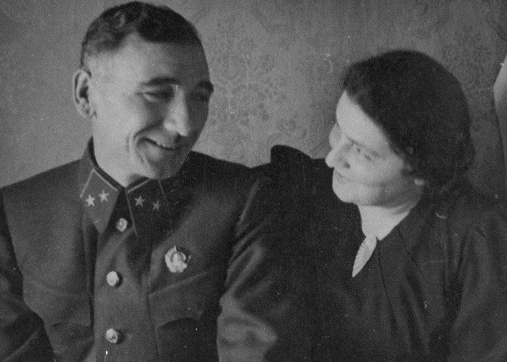 Исса и Екатерина Плиевы. 1941 г.