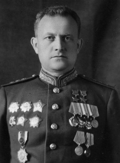 Дважды Герой Советского Союза Хрюкин Тимофей Тимофеевич (21.06.1910-19.07.1953)