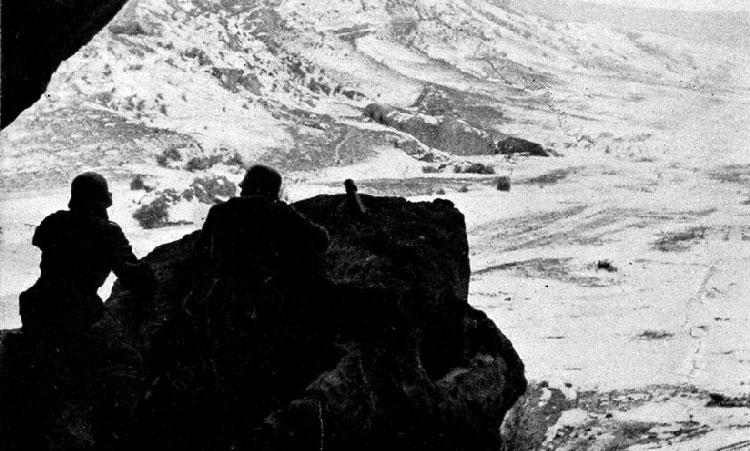 Немецкий пост наблюдения в горах. Декабрь 1941 г.
