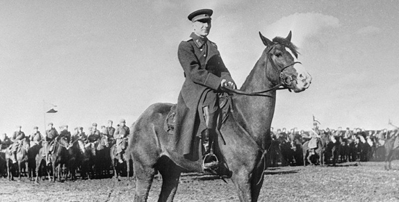 Генерал-лейтенант Плиев. 1943 г.