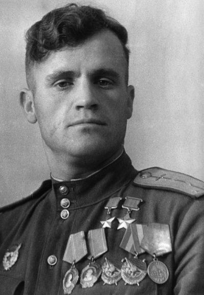 Дважды Герой Советского Союза Гулаев Николай Дмитриевич (26.02.1918-27.09.1985)