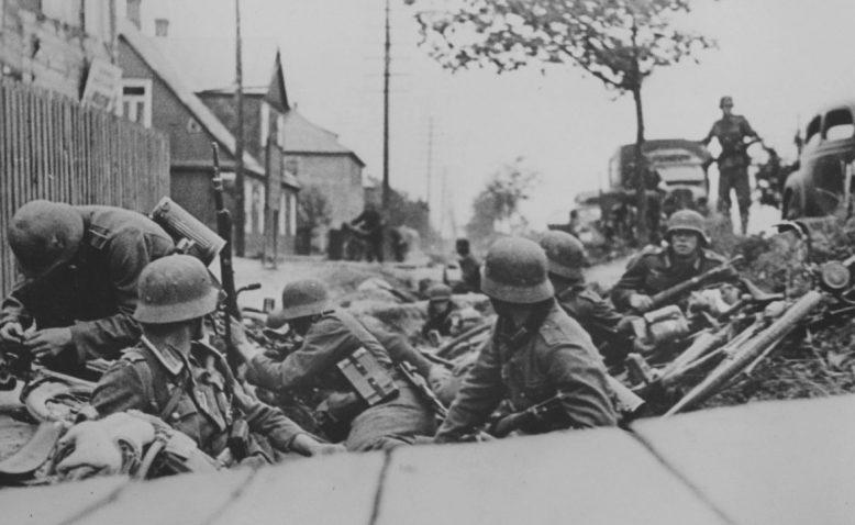 Уличный бой в Каунасе. Июнь 1941 г.