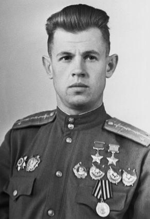 Дважды Герой Советского Союза Ефимов Александр Николаевич (06.02.1923-31.08.2012)