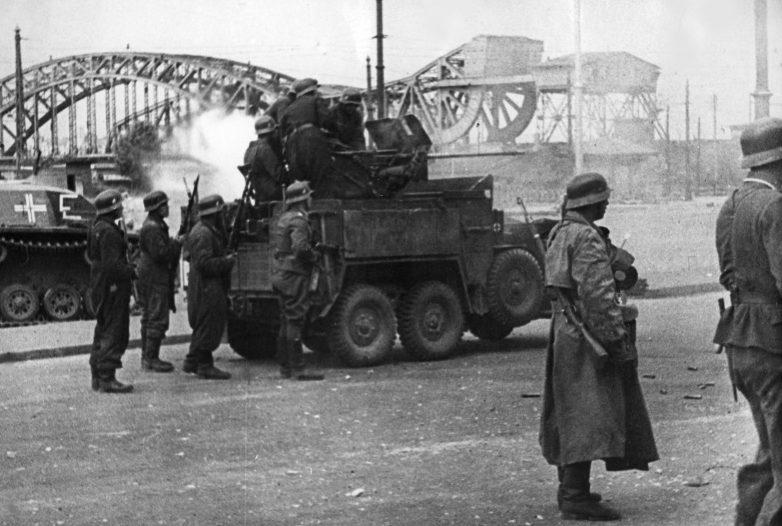 Немцы занимают Ригу. Июнь 1941 г.