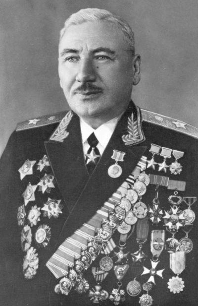 Дважды Герой Советского Союза генерал армии Плиев. 1968 г.