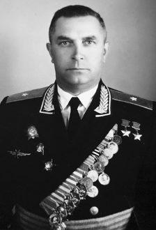 Дважды Герой Советского Союза Кузнецов Михаил Васильевич (25.10.1913-15.12.1989)