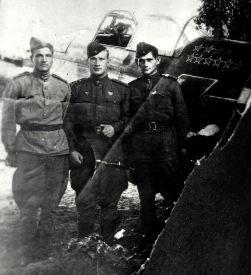Луганский с однополчанами. 1943 г.