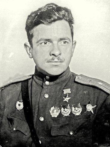 Герой Советского Союза майор Покрышев. 1943 г.