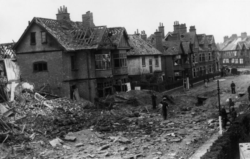 Улицы после бомбардировки. 16 ноября 1940 г.